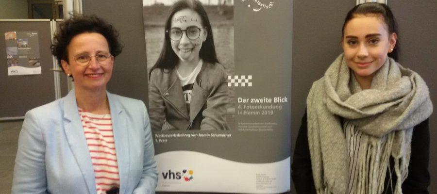 Frau Dr. Obszerninks, Frau Jasmin Schumacher